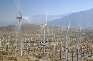 Ветряные генераторы и солнечные батареи в Англии