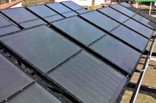 В столице России на крышах жилых домов устанавливают солнечные батареи
