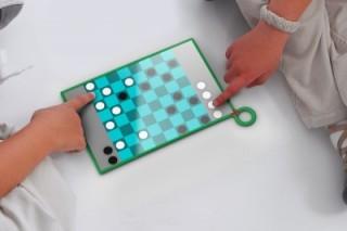 Компанией OPLC представлен детский планшет, работающий от солнечных батарей
