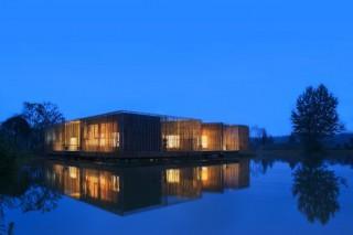 Плавающий чайный домик из бамбука