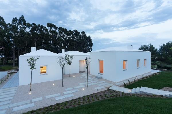 Загородный дом в португальском стиле
