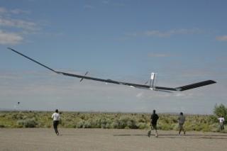 10 самолетов, летающих на энергии Солнца