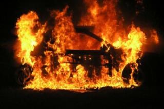 Переполох в Эстонии из-за сгоревшего автомобиля