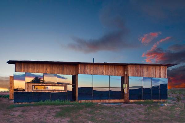 Программа DesingBuildBLUFF позволяет студентам получить практический опыт в строительстве, а людям из народа навахо - стать обладателями собственного жилья