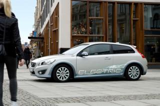 Инженеры Volvo разрабатывают новую технологию для сокращения времени подзарядки электромобилей