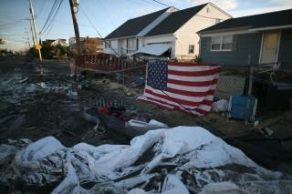 Последствия урагана Сэнди в США: в Нью-Йорке прорвало канализацию