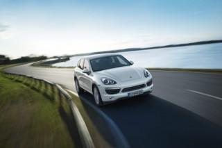 Porsche выпустит гибридный Cayenne