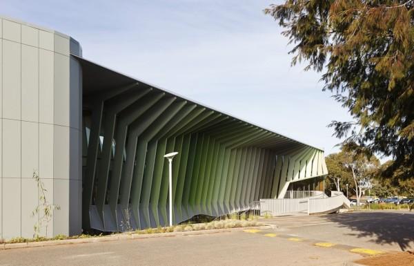 Строительство центра было завершено в апреле 2012. Бюджет проекта составил 7.4 миллиона австралийских долларов