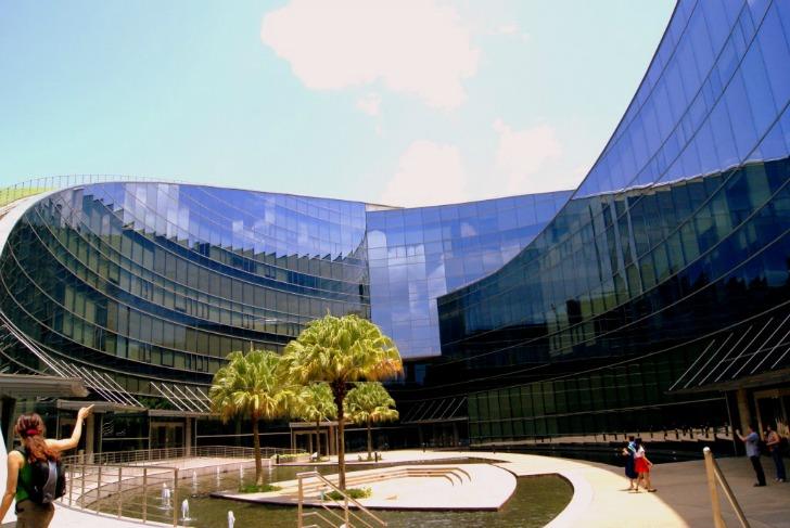 Лучшие университеты по дизайну в мире