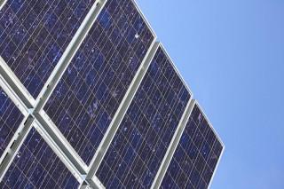 Великобритания ускорит развитие энергии солнца и биомассы
