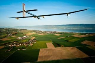 Солнечный самолет совершит кругосветное путешествие в 2015 году