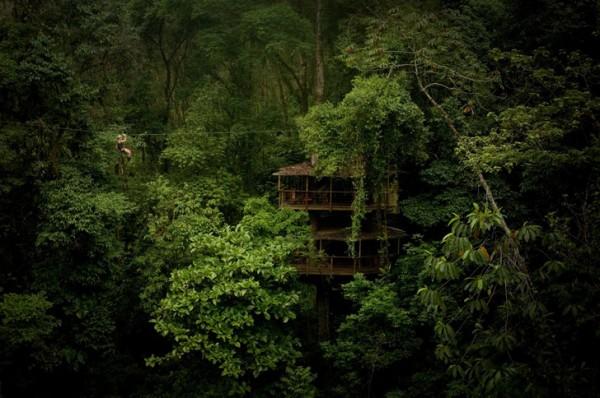 Деревня расположена в практически нетронутой части Коста-Рики, вдали от шумных центров цивилизации