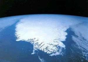 Уязвимой к повторному наступлению льдов делает сушу оледенение