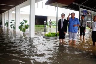 В результате наводнения был затоплен Президентский дворец в Джакарте
