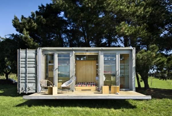 Мобильный дом из контейнера