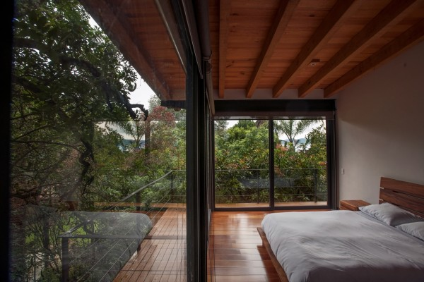Деревянные таунхаусы в пригороде Мехико