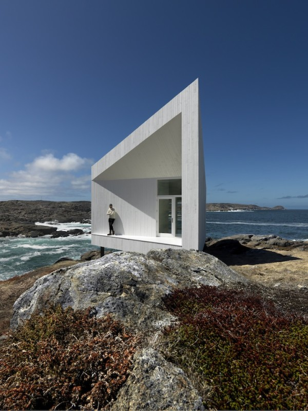 Дом-студия на скале