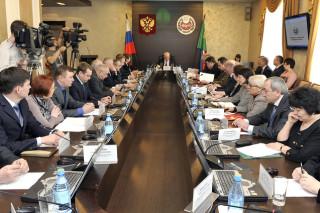 Президент Хакасии поручил ускорить темпы создания нового министерства экологии