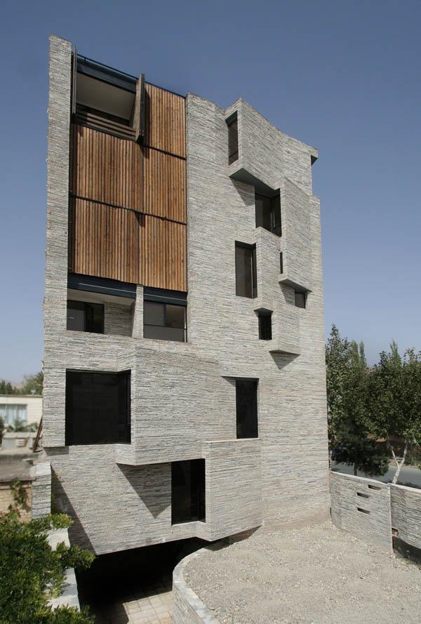 Дом из отходов камнеобработки
