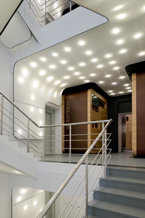 Первый капсульный отель в Москве