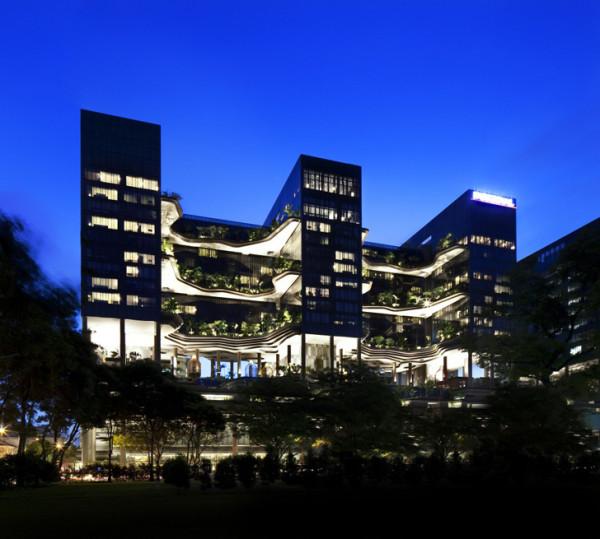 Вертикальные сады отеля Park Royal в Сингапуре