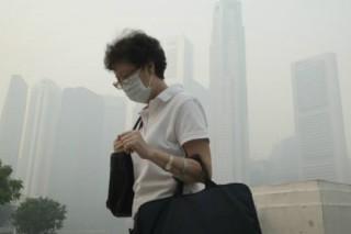 Сильнейший смог в Сингапуре вызвали пожары в Индонезии