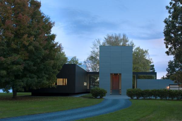 Минималистичный дом с геотермальным отоплением