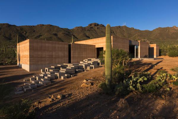 Землебитный дом в пустыне Сонора