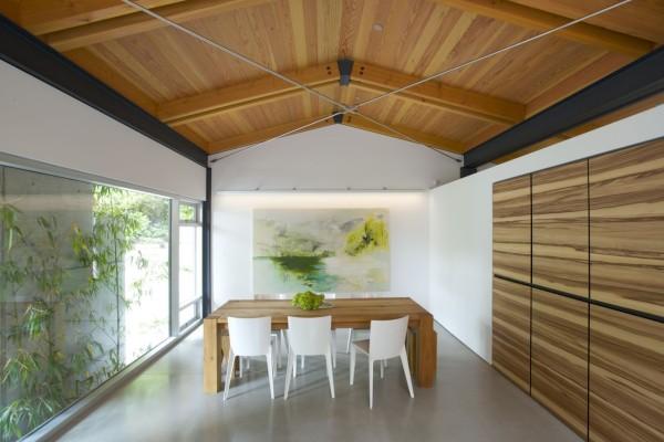 Частный дом в зеленой зоне Ванкувера