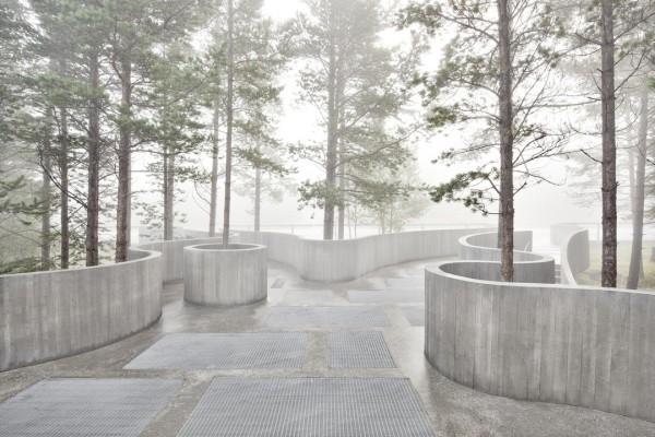 Смотровая площадка в норвежском лесу