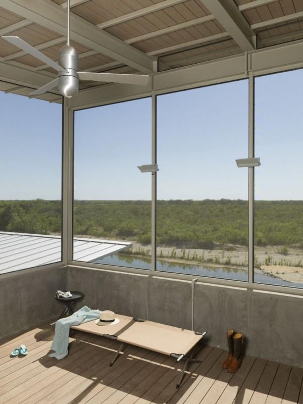 Техасское ранчо из алюминиевого трейлера