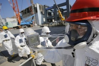 Шесть сотрудников АЭС «Фукусима-1» попали под облучение радиоактивной водой