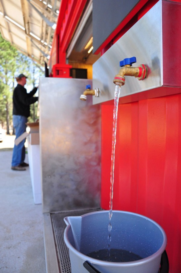 Кока-Кола обеспечит нуждающихся питьевой водой
