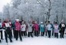 В Мурманской области пенсионеров привлекают к скандинавской ходьбе