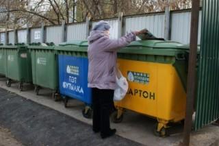 В Златоусте устанавливают антивандальные мусорные контейнеры