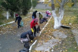 В Хасавюрте прошел массовый субботник по уборке мусора с территории города
