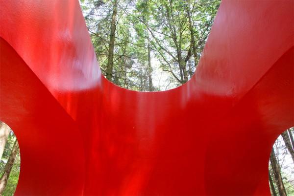 Кабина для медитаций в лесу
