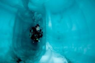 Обнаружено незамерзающее подледное озеро в Гренландии