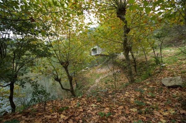 Вилла над берегом реки