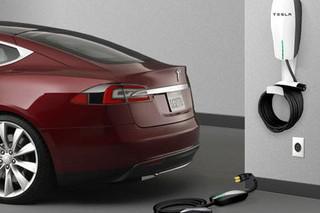 Tesla строит для европейцев зарядные станции