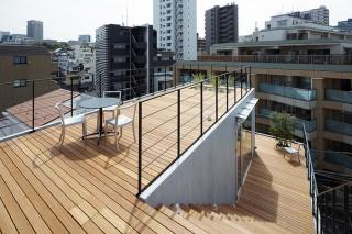 «Балконный дом» в Токио