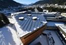 На крыше Центра конгрессов в Давосе установили солнечную электростанцию