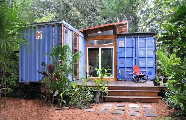 Полноценный дом из грузовых контейнеров