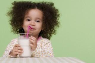 Британские ученые считают, что радоваться хорошему аппетиту у детей, не стоит