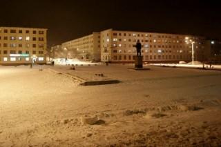 В ближайшее время поселок Никель Мурманской области полностью переведут на светодиодное уличное освещение