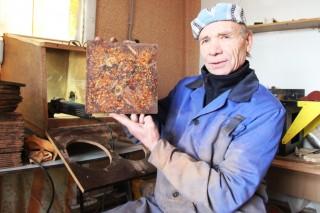 Сибиркий ученый получил патент на экологически чистый материал кедропласт