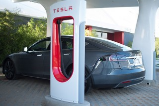 Tesla Motors огласила план по захвату европейского рынка