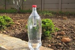 Lightie: автономный светильник в бутылке из-под Coca-cola
