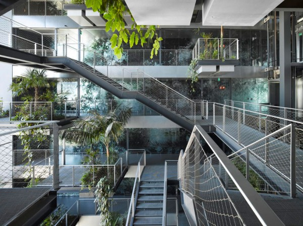 """Отель с """"растительным"""" фасадом"""