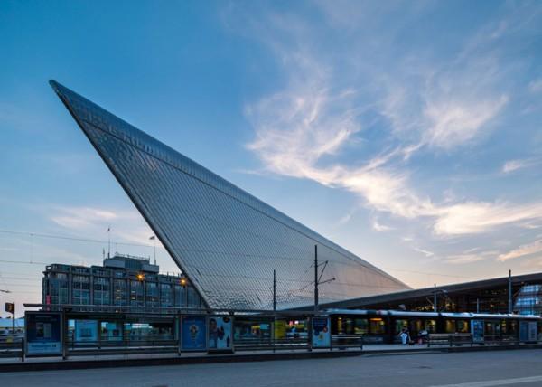 """Железнодорожный вокзал Роттердама: """"солнечная"""" станция"""
